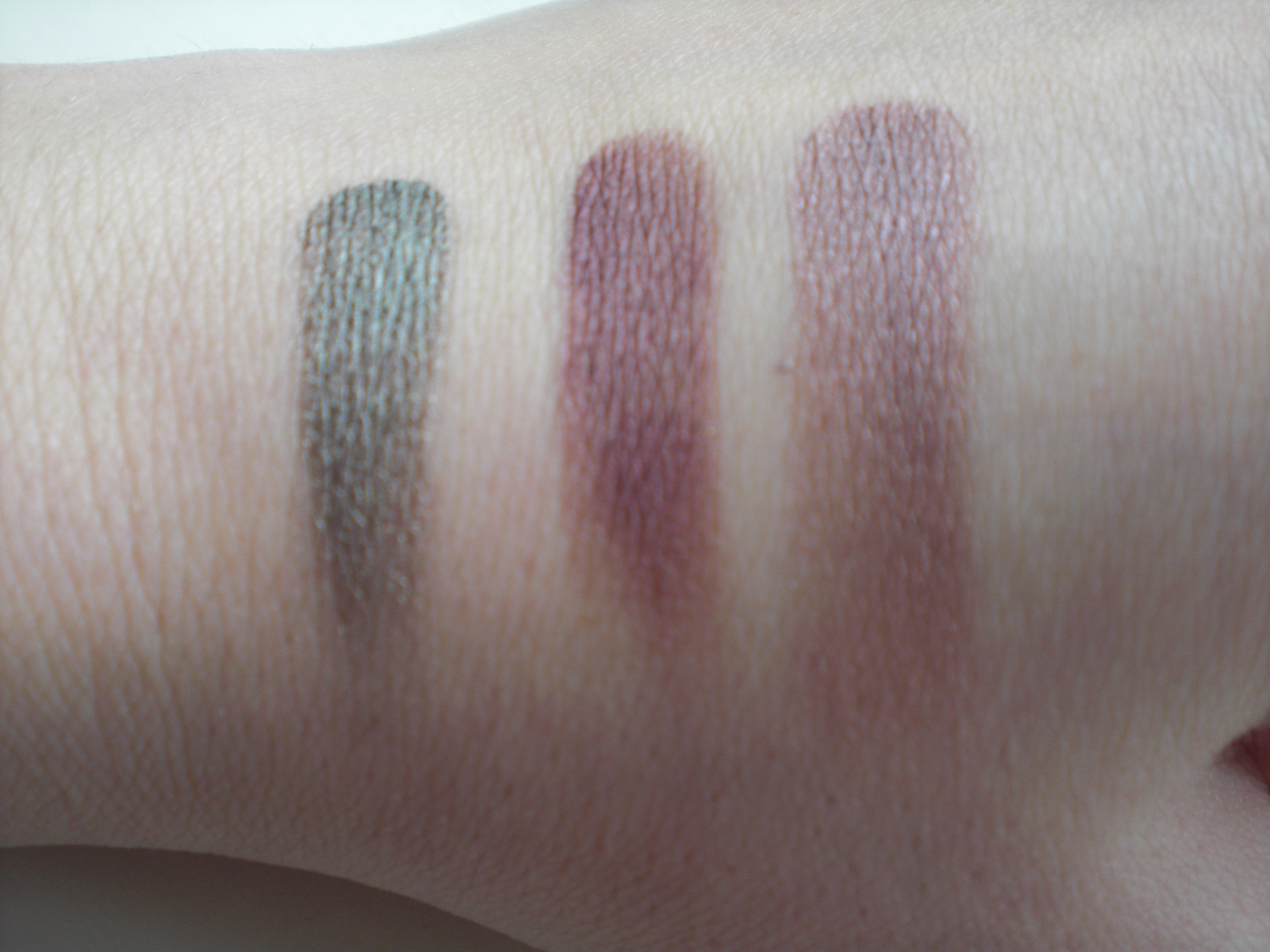 Creaseless Cream Shadow/Liner by Benefit #8