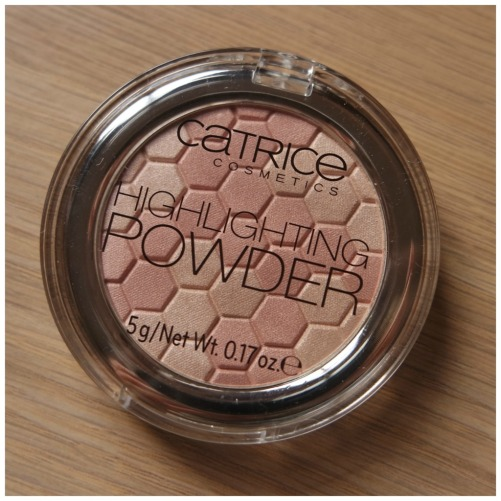 catrice highlighter highlighting powder 015 merry cherry blossom swatch review