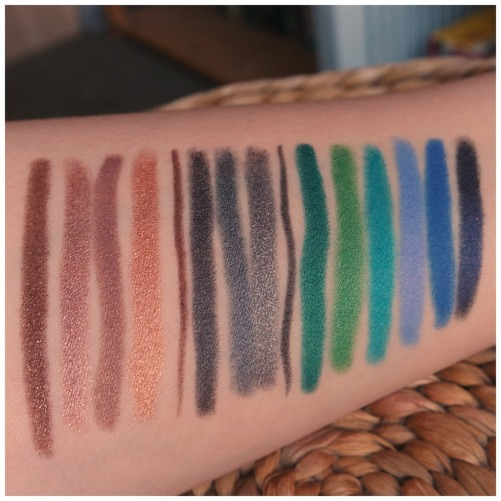 kiko eyeshadow stick review swatch 04 05 38 19 10 11 40 17 44 31